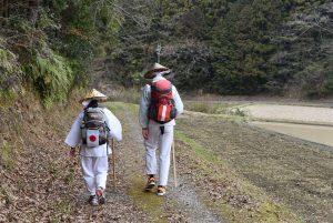 Ossi und Masako auf dem Weg in Shikoku
